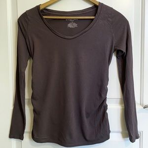Long Sleeved Maternity Shirt with Side Rouching